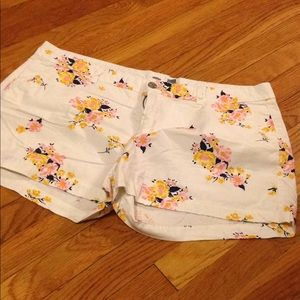 Old Navy Shorts - Floral shorts